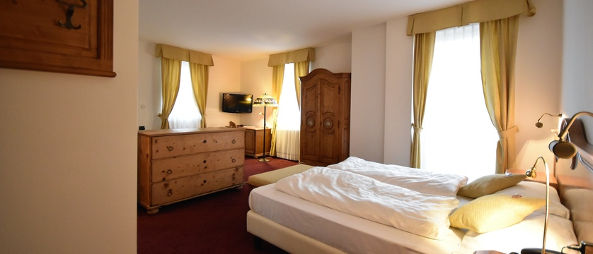 folgaria-post-hotel-bedroom.jpg
